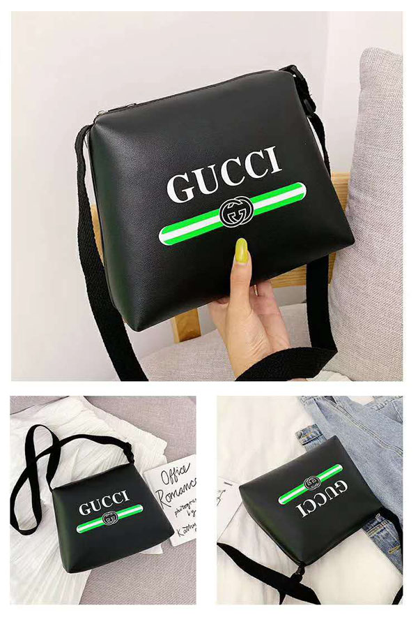 GUCCI 斜めがけバッグ